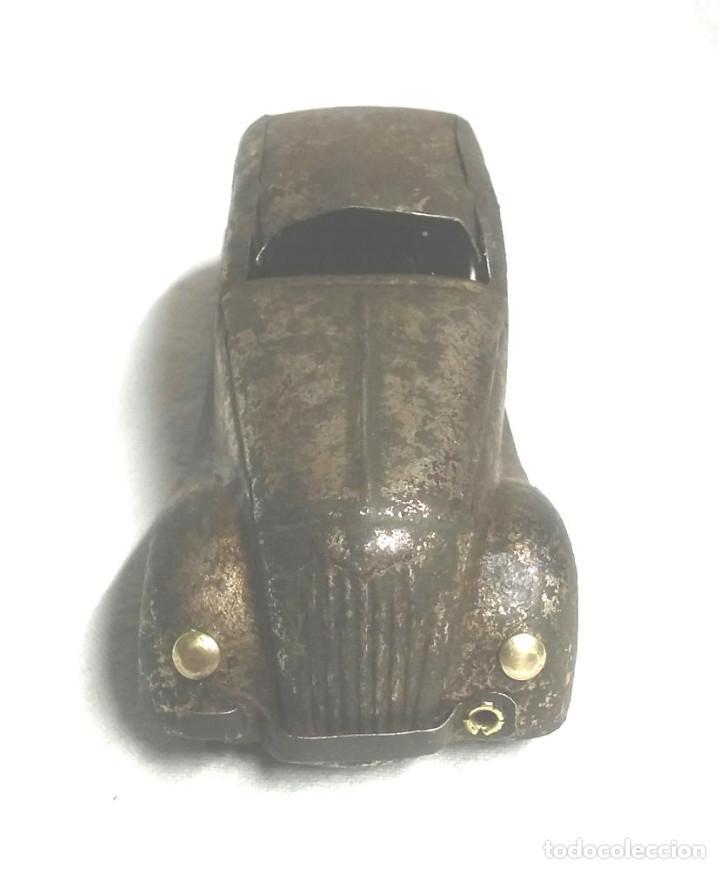 Juguetes antiguos Jyesa: Coche Sedan de Jyesa años 40, mecanismo de cuerda. Med 12,50 cm - Foto 2 - 222871331