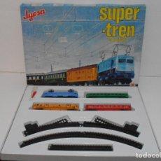 Brinquedos antigos Jyesa: SUPER TREN ELECTRICO A PILAS JYESA, EN CAJA ORIGINAL Y COMPLETO. Lote 230257690