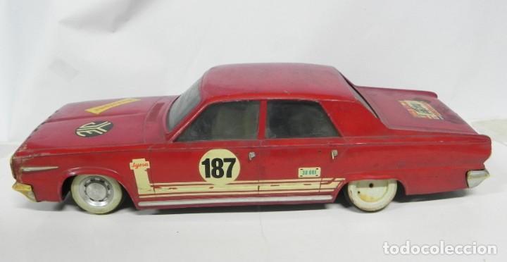 Juguetes antiguos Jyesa: Coche Dodge barreiros Dart de Jyesa, años 60, Firestone, Montecarlo, las ruedas estan deformadas y l - Foto 4 - 234326030