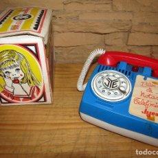 Juguetes antiguos Jyesa: ANTIGUA HUCHA TELEFONO DE JYESA - JYE - NUEVO Y EN SU CAJA ORIGINAL - AÑOS 70. Lote 276464803