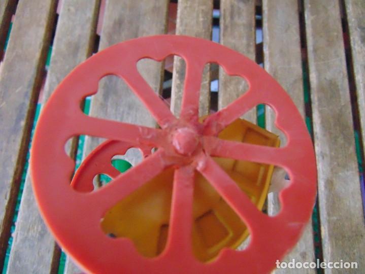 Juguetes antiguos Jyesa: AVESTRUZ TIRANDO DE CARRO DE LA MARCA JYESA JYE INCOMPLETO NO LE VA LA CUERDA - Foto 13 - 280778848