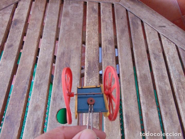 Juguetes antiguos Jyesa: AVESTRUZ TIRANDO DE CARRO DE LA MARCA JYESA JYE INCOMPLETO NO LE VA LA CUERDA - Foto 15 - 280778848