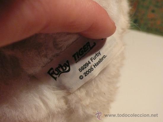 Juguetes Antiguos: Furby blanco - gigante: 22 cm - Tiger Electronics 2005 hasbro - Foto 2 - 27867515