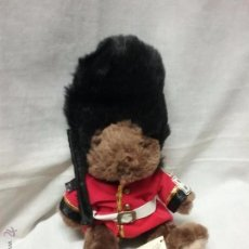 Juguetes Antiguos: OSO GUARDIA BRITANICA TEDDY BEAR COLLECTION - OSO DE PELUCHE . Lote 53505061