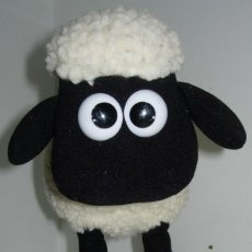 Juguetes Antiguos: LA OVEJA SHAUN THE SHEEP, PELUCHE CON MECANISMO,CAMINA Y BALA, 35 X 27 CMTS.,WALKING AND BLEATING. Lote 64293619