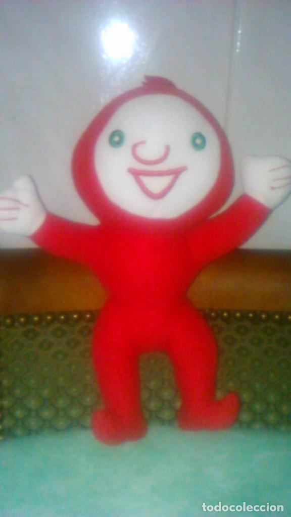 Juguetes Antiguos: muñeco peluche rojo,mascota,lo reconozco pero no sé decir quien es.Ayuda por favor, - Foto 2 - 84993044