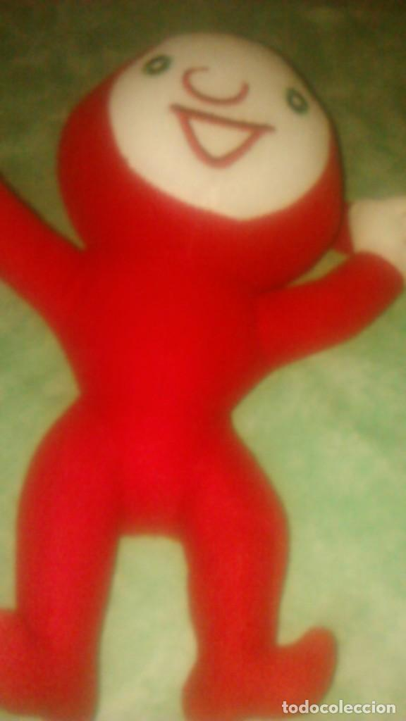 Juguetes Antiguos: muñeco peluche rojo,mascota,lo reconozco pero no sé decir quien es.Ayuda por favor, - Foto 6 - 84993044