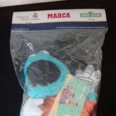 Juguetes Antiguos: PELUCHE TRIQUI EL MONSTRUO DE LAS GALLETAS DE BARRIO SESAMO PRODUCTO OFICIAL REAL MADRID DEL MARCA. Lote 88828976