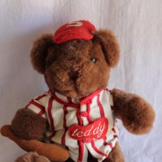 Juguetes Antiguos: PELUCHE OSO TEDDY BASEBALL. Lote 90745690