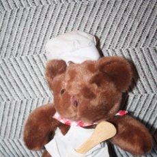 Juguetes Antiguos: OSO COCINERO *** THE TEDDY BEAR COLLECTION *** PELUCHE ROPA ORIGINAL *** ALTURA 22 CMS ***. Lote 99920807