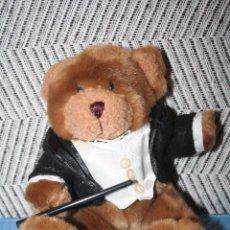 Juguetes Antiguos: OSO MAESTRO ORQUESTA *** THE TEDDY BEAR COLLECTION *** PELUCHE ROPA ORIGINAL *** ALTURA 22 CMS *** . Lote 99929843