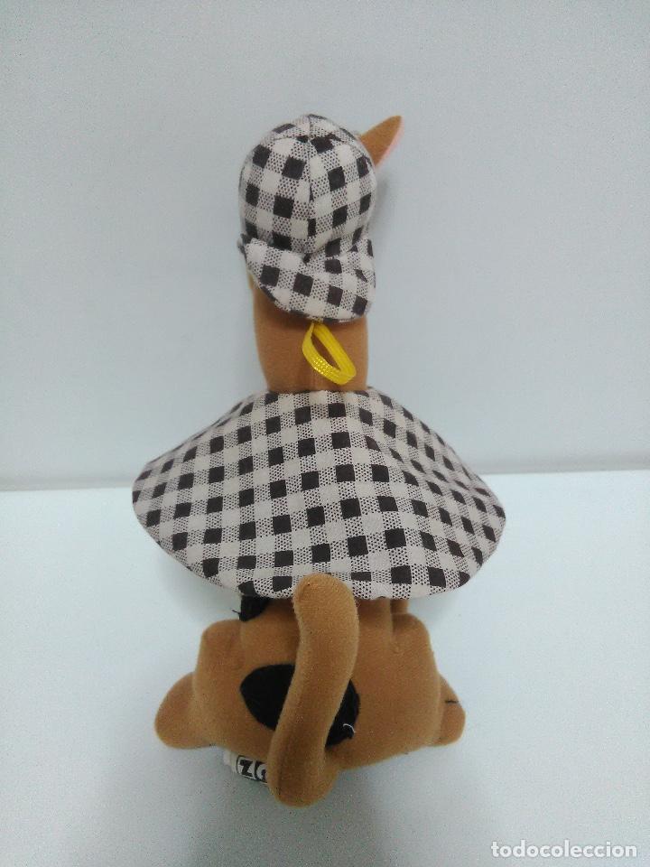 Juguetes Antiguos: Peluche Scooby Doo 24cm - Foto 3 - 126185759