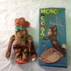 Brinquedos Antigos: MONO ACRÓBATA DE JUGUETES CLIMA IBI AÑO 1960 NÚMERO 309. Lote 137323116
