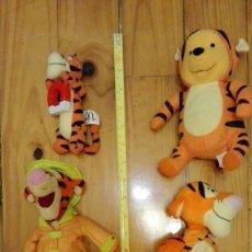 Brinquedos Antigos: LOTE 4 PELUCHES SON LOS DE LA FOTO TIGGER Y WINNIE THE POO. Lote 175656745