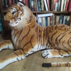 Juguetes Antiguos: TIGRE ENORME TIPO PELUCHE.. Lote 196009272