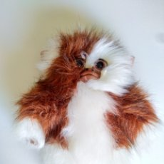 Juguetes Antiguos: PELUCHE GIZMO GREMLINS 25 CM. Lote 213944507