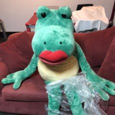 Juguetes Antiguos: NICI GREEN FROG 200 CM ENORME LUXURY GIANT PLUSH NEW. Lote 224676385