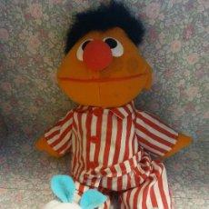 Brinquedos Antigos: BONITO Y DIVERTIDO EPI EN PIAJA. BARRIO SESAMO. EPI Y BLAS.. Lote 263632505