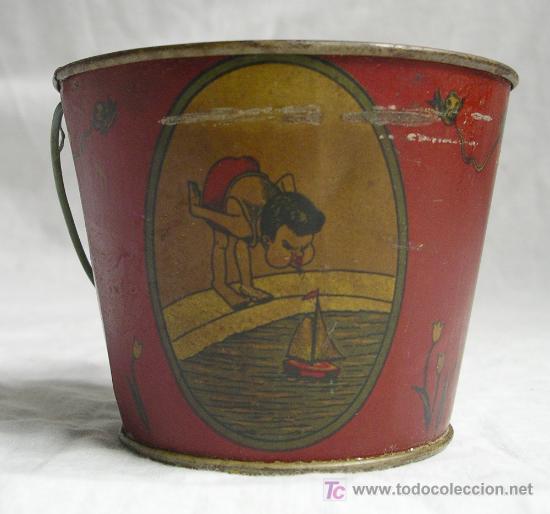 Juguetes antiguos Payá: Cubo de hojalata, Temática pescando, jugando a barcos y bailando. Med. dia 105 cm x 85 cm alt - Foto 2 - 27036301