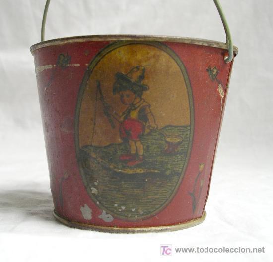 Juguetes antiguos Payá: Cubo de hojalata, Temática pescando, jugando a barcos y bailando. Med. dia 105 cm x 85 cm alt - Foto 3 - 27036301
