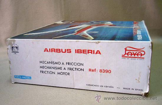 Juguetes antiguos Payá: AVION DE HOJALATA, AIRBUS IBERIA, FABRICADO POR PAYA, A FRICCION, EN SU CAJA - Foto 16 - 31541816
