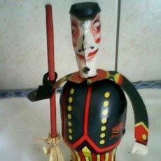 Juguetes antiguos Payá: ANTIGUO BARRENDERO DE HOJALATA , FUNCIONA A CUERDA .JUGUETES PAYA,.. Lote 47795273