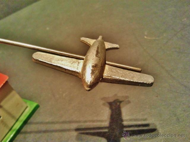 Juguetes antiguos Payá: Antiguo balancín con avión y hangar de Payá. Año 1950. - Foto 4 - 41700569