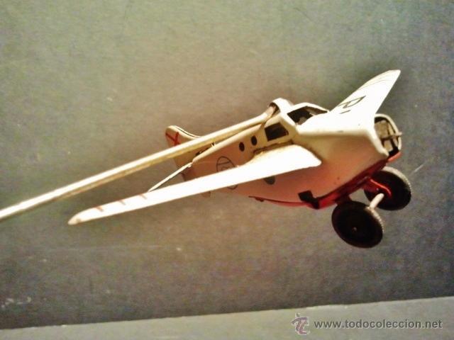 Juguetes antiguos Payá: Antiguo balancín con avión y hangar de Payá. Año 1950. - Foto 6 - 41700569