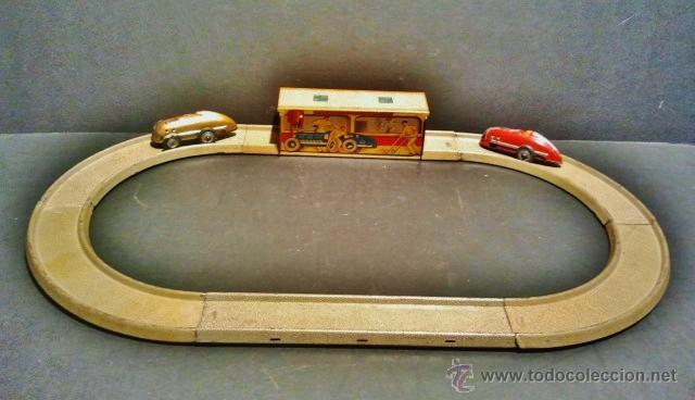 Juguetes antiguos Payá: Carrera de autos sobre pista de Payá. Años 40-50. Hojalata litrografiada. Funciona correctamente. - Foto 2 - 41717452