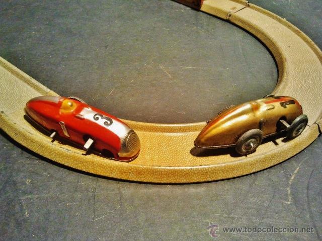 Juguetes antiguos Payá: Carrera de autos sobre pista de Payá. Años 40-50. Hojalata litrografiada. Funciona correctamente. - Foto 4 - 41717452