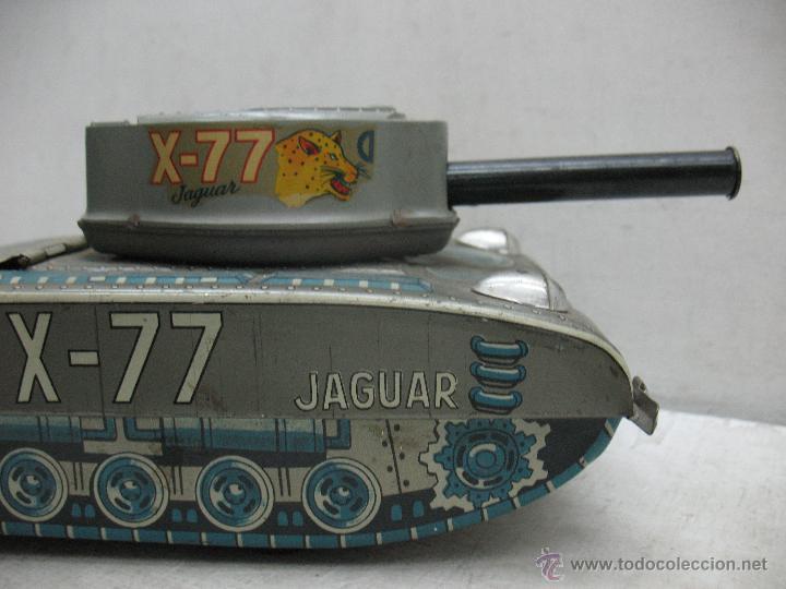 Juguetes antiguos Payá: Tanque Jaguar X-77 I-643 de Hojalata con mecanismo a pilas - Foto 8 - 44149544