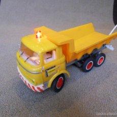 Camión volquete Payá