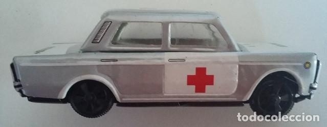Juguetes antiguos Payá: PAYÁ. SEAT 1432 Cruz Roja fricción de hojalata. Coche original años 70 con caja - Foto 4 - 73014719