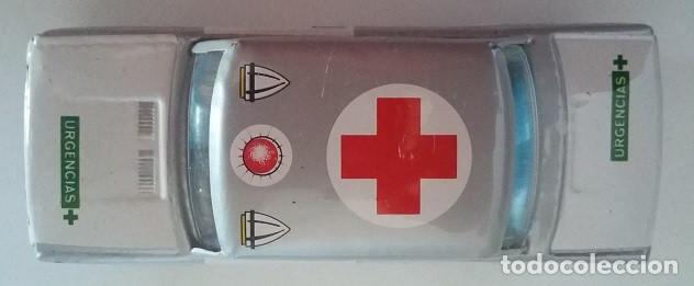 Juguetes antiguos Payá: PAYÁ. SEAT 1432 Cruz Roja fricción de hojalata. Coche original años 70 con caja - Foto 5 - 73014719