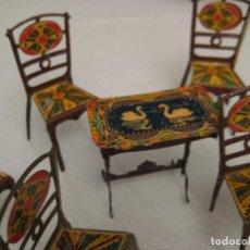Juguetes antiguos Payá: MESA Y SILLAS DE HOJALATA LITOGRAFIADA DE PAYÁ, AÑOS 20. Lote 112752139