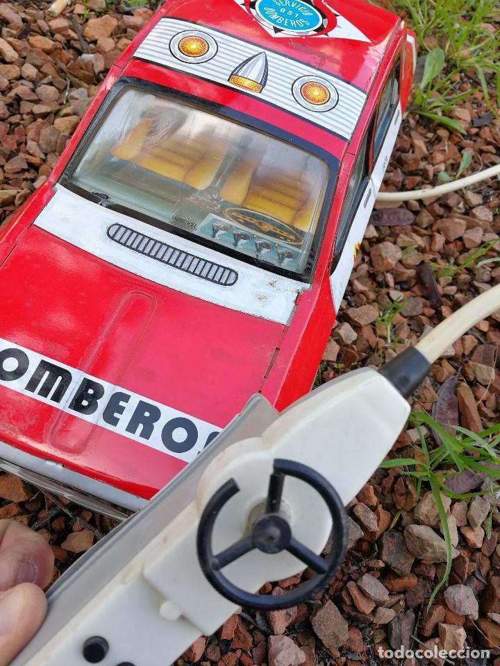 Mando A Coche Juguete Con Paya Dirigido Antiguo Distancia Bomberos 12 Renault Electrico knN8w0OPX