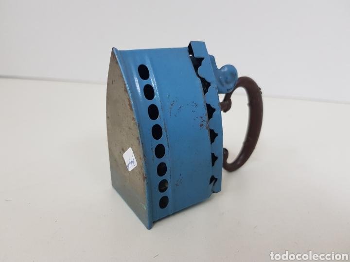 Juguetes antiguos Payá: Antigua Plancha metálica azul paya medidas 7 cm x cuatro juguete de hojalata muy antiguo - Foto 2 - 131268210