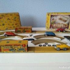 Juguetes antiguos Payá: PAYA, LOTE DOS CAJAS AUTOS CARRERAS PULGA, REF. 670 CON EXTRAS. Lote 132222282