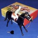 Juguetes antiguos Payá: CABALLO CON JINETE HÍPICA REF 663, FABRICADO EN LATA CON MECANISMO A CUERDA, PAYA, ORIGINAL AÑOS 50.. Lote 62263760