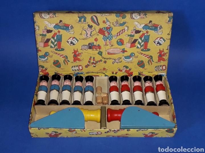 Juguetes antiguos Payá: Conjunto soldados y cañones + proyectiles, fabricados en madera tipo Denia Paya, Barcelona años 50. - Foto 3 - 137917356