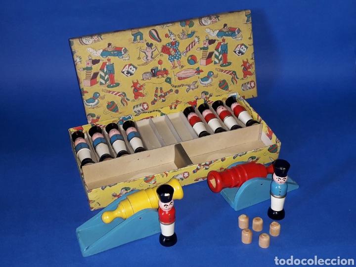 Juguetes antiguos Payá: Conjunto soldados y cañones + proyectiles, fabricados en madera tipo Denia Paya, Barcelona años 50. - Foto 4 - 137917356