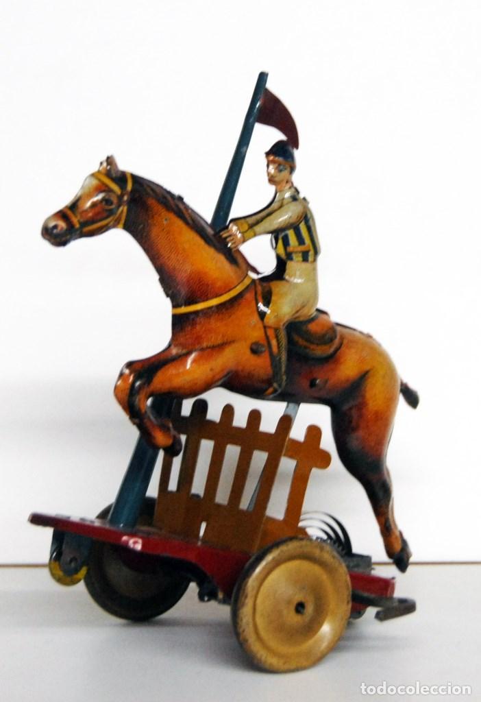 Juguetes antiguos Payá: PAYÁ Nº 818 ORIGINAL - CABALLO DE CARRERAS Y JOCKEY SALTANDO OBSTÁCULO DE 1930 - Foto 3 - 140484138