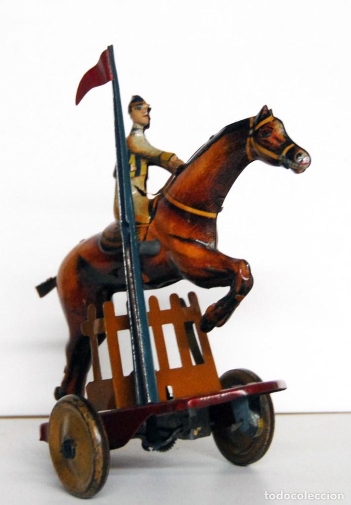 Juguetes antiguos Payá: PAYÁ Nº 818 ORIGINAL - CABALLO DE CARRERAS Y JOCKEY SALTANDO OBSTÁCULO DE 1930 - Foto 4 - 140484138