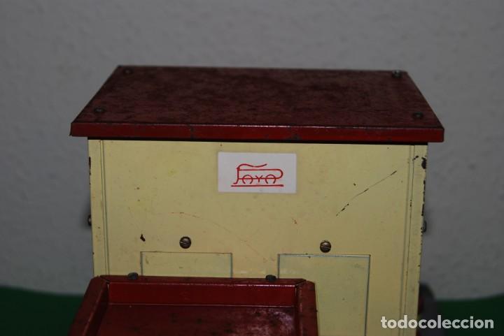 Juguetes antiguos Payá: ESTACIÓN DE TREN PAYA - METAL Y BASE DE MADERA - Foto 9 - 146877742