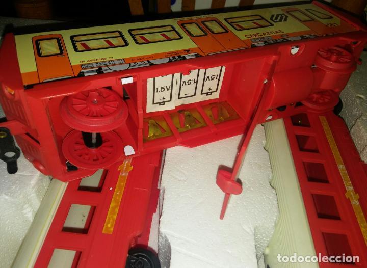 Juguetes antiguos Payá: Tren cercanias paya hojalata plastico - Foto 5 - 150149878