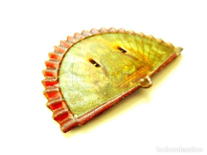 Juguetes antiguos Payá: ABANICOS (ABANICO) DE HOJALATA DE PAYÁ. NUESTRA SEÑORA DE LA CABEZA. BROCHES IMPERDIBLES AÑOS 40 - Foto 2 - 150830338
