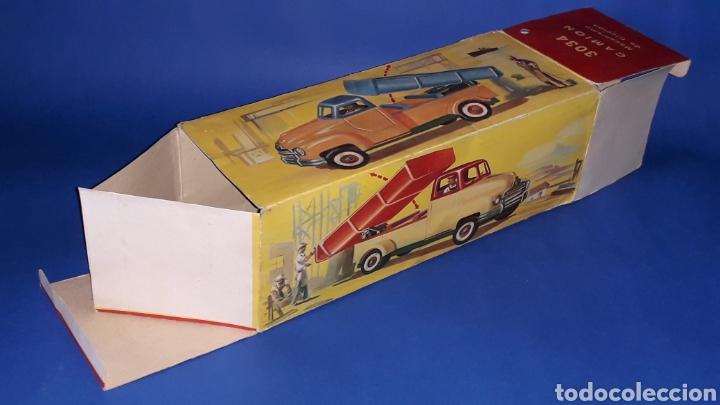 Juguetes antiguos Payá: Camión volquete, plástico-lata, mecanismo de cuerda, Paya IBI made in Spain, año 1958. Con caja. - Foto 13 - 27445548