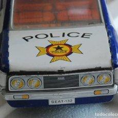 Juguetes antiguos Payá: COCHE SEAT 132 DE POLICIA RF 8084 DE PAYA METAL A FRICCION AÑOS 70.. Lote 157125602