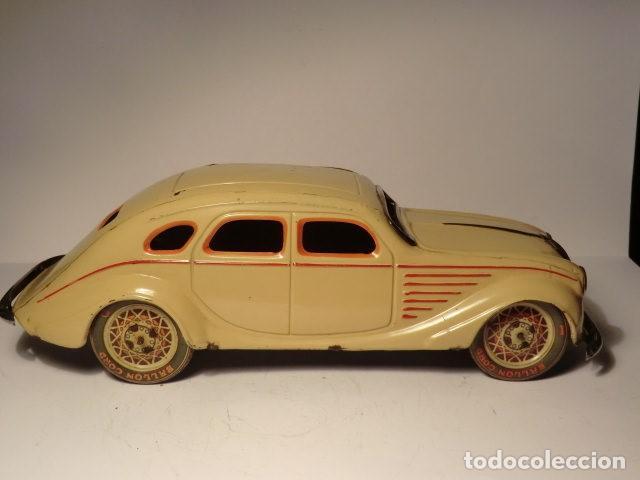 Juguetes antiguos Payá: PAYA Auto CHRYSLER AIRFLOW Hojalata Litografiada. 1930s. A Cuerda. Funciona Ref. 622 - Foto 3 - 165752630