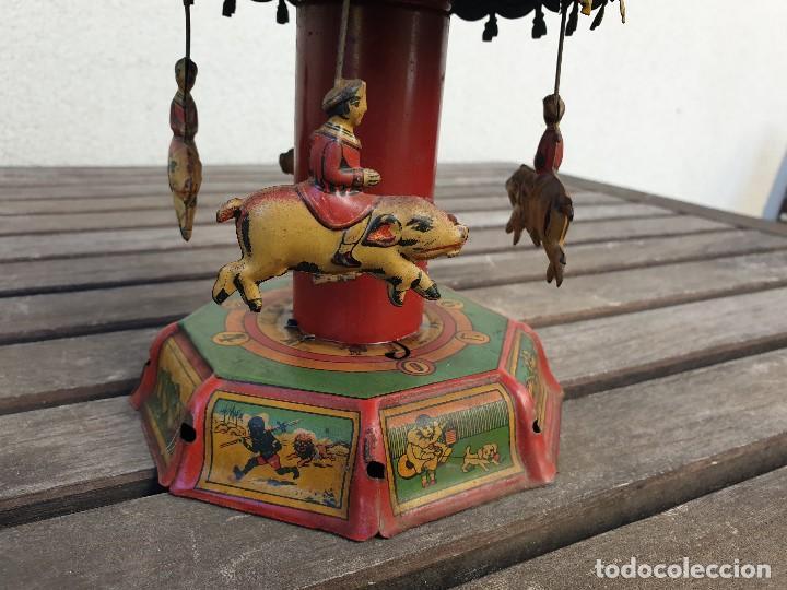 Juguetes antiguos Payá: ANTIGUO TIOVIVO (CARRUSEL) DE LA PAYA DE HOJALATA (LATA), FUNCIONA PERFECTAMENTE. - Foto 4 - 166151938